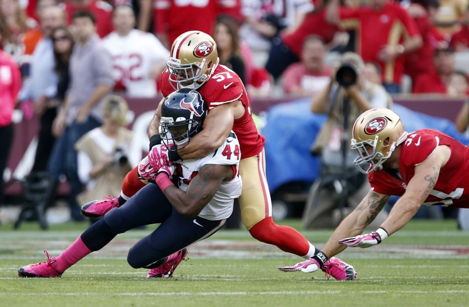 Los 49ers siguen en la brecha a costa de los Texans (AP)