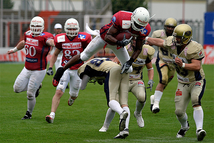 Monarch y Lions a por todas (GFL)
