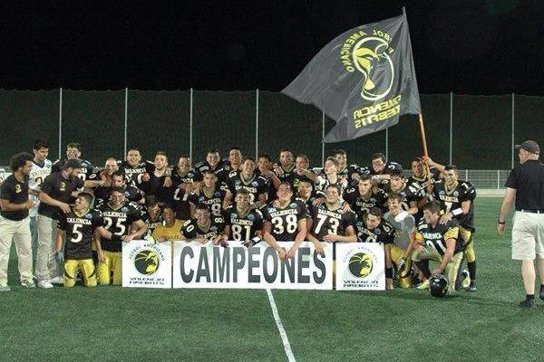 Los campeones tras el partido (Foto: V.Firebats)