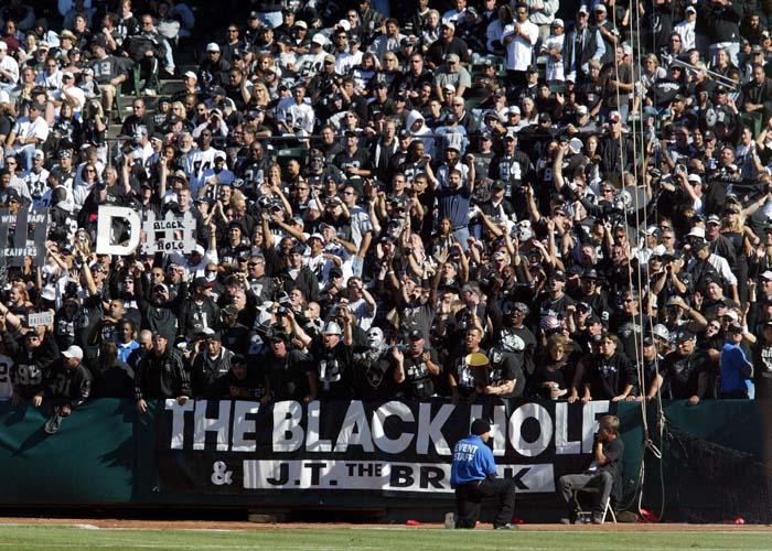 El Black Hole, los fans más fieles de Oakland (AP)