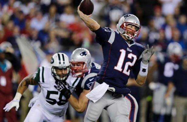 Tom Brady añadió tres pases de touchdown a su cuenta (patriots.com)