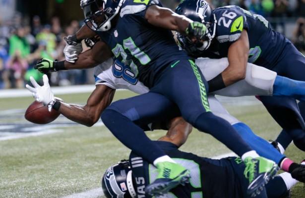 Kam Chancellor fuerza el fumble salvador (Seahawks.com)